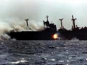 English: Cargo_Ship_under_attack_in_Tanker_war during Iran-Iraq War.