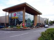 English: Dobbies Garden Centre near Cirencester