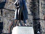 English: Statue of Sir Wilfrid Laurier (1841-1919), Parliament Hill, Ottawa, Ontario, Canada