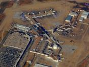 English: Aerial view of passenger terminal at Dallas Love Field