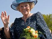 English: Queen Beatrix of the Netherlands in Vries Français : La reine Beatrix des Pays-Bas à Vries. Nederlands: Koningin Beatrix der Nederlanden in Vries