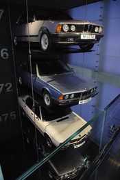 English: 4 old bmw at BMW Museum, Munich, Germany
