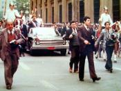 Français : Augusto Pinochet - Défilé du neuvième anniversaire du coup d'État, le long de La Moneda, Santiago de Chile Español: Augusto Pinochet - Desfile del octavo aniversario del golpe de Estado, junto a La Moneda, Santiago de Chile