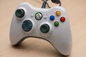 English: XBox 360 wired controller. Français : Récepteur Xbox 360 filaire.