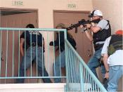 English: U.S. Marshal Multi-Agency Team Knock and Announce during operation FALCON II