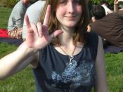English: ASL sign I-LOVE-YOU (wikt:en:ILY@Side-PalmForward)