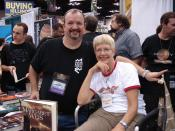 English: Tracy Hickman and Margaret Weis in the exhibit hall at Gen Con 2008.