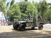 English: Mexican army jeep on september 16 2007 parade Español: Jeep del ejercito Mexicano en el desfile del 16 de septiembre de 2007