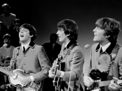 English: Paul McCartney, George Harrison and John Lennon during a Beatles performance for Dutch television Nederlands: Paul McCartney, George Harrison and John Lennon tijdens een Beatlesoptreden voor de Nederlandse televisie. Hrvatski: Paul McCartney, Geo