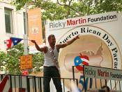 English: Ricky Martin at the National Puerto Rican Day Parade in New York City, New York. Español: Ricky Martin en el Desfile Puertoriqueño en la Ciudad de Nueva York.