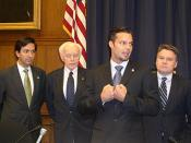 English: Ricky Martin (second from right) meets with members of the United States House of Representatives including Luis Fortuño (far left), Tom Lantos (D-California) (second from left) and Chris Smith (right)
