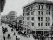 English: In 1908, horse-drawn buggies and wagons peppered the intersection of Mesa and Mills streets in Downtown El Paso. Photo courtesy of El Paso Public Library.