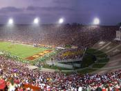 English: Third quarter of the major regular season college football game between the visiting No. 5 Ohio State Buckeyes and the No. 1 USC Trojans at the L.A. Coliseum on September 13, 2008; USC would win, 35-3.