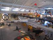 English: Superfortress B-29 Enola Gay, the aircraft that dropped the first atomic bomb on Hiroshima, on display at Steven F. Udvar-Hazy Center Slovenčina: Superpevnosť B-29 Enola Gay, lietadlo, ktoré zhodilo prvú atómovú bombu na Hirošimu, vystavené v Cen