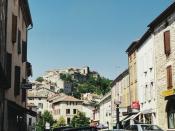 Français : La cité médiévale de Cordes-sur-Ciel (France, Tarn) vue des pieds du village.