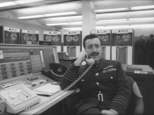 English: Peter Sellers as Group Captain Lionel Mandrake in Stanley Kubrick's 1964 film, Dr. Strangelove.