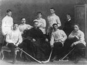 English: St. Mary's College hockey team, Montreal, Canada. The English-language section of St. Mary's College became Loyola College in 1896, which itself merged with Sir George Williams University to form Concordia University in 1974. Français : Équipe de