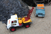 Britains 1975 Unimog and Britains Land Rover
