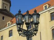 English: Street light in front of Bratislava Castle. Bratislava, Slovakia. Français : Un Réverbère devant le château de Bratislava, en Slovaquie.