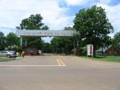 English: Entrance to the Mississippi State Penitentiary Español: La entrada de la Mississippi State Penitentiary