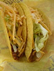 English: Taco Bell crunchy shell beef tacos