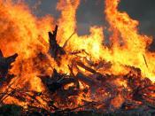 English: Midsummer festival bonfire closeup (Mäntsälä, Finland) Suomi: Lähikuva juhannuskokosta Mäntsälässä