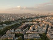 English: The Seine and 7th arrondissement as seen from the Eiffel Tower.