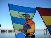 English: Setting up a kayak sail just before the start of Primal Quest 2004.