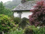 English: This is a photo of Rydal Mount from the right side. Inside the William Wordsworth's home, there are artifacts and historical documents of his life and family, also origonal works of William Wordsworth and binded books. Rydal Mount is open to the