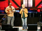 English: Connie Smith alongside her guitar player at the Grand Ole Opry (May 18, 2007).