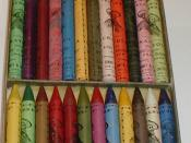 English: Rubens Crayola No 500 - Inside box with crayons from circa 1904-1912