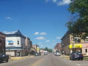 English: Looking north at downtown Crandon, Wisconsin, on U.S. Route 8 / Wisconsin Highway 32 / Wisconsin Highway 55. The Forest County courthouse is found directly to the right of this image.