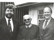 English: Maurice Williamson MP, Ian Little (station owner) and Hamish Hancock MP outside Radio Foxton.