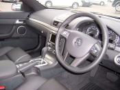 English: Interior of a 2006–2007 Holden VE Calais V, photographed at McGrath Sutherland Holden, New South Wales, Australia.