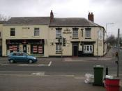 English: Lord Nelson public house, Emscote Road The Nelson family once had a big gelatine factory in the area. The connection with Lord Nelson is wishful thinking. The neighbouring shop sells clothing and equipment for outdoor pursuits but most of their b