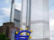 English: The European Central Bank. Notice a sculpture of the euro sign.