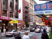 English: Mott Street in New York City, the traditional center of Chinatown, where the Chinatown Community Center is located. 中文: 紐約市(New York City)Mott Street(勿街),也是中國城的社區中心。Derek Jensen (Tysto),2004年6月15日拍攝。