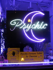 English: Storefront Psychic fortuneteller in Downtown Crossing, Boston. January 2009 photo by John Stephen Dwyer