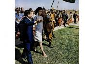 LIFE Magazine NOVEMBER 17, 1967 (1) Jackie Kennedy fulfills a lifelong wish... TO SEE ANCIENT CAMBODIA