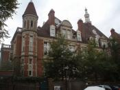 English: Mount Vernon Originally the Hospital for Consumption & Diseases of the Chest. Now very, very expensive flats.