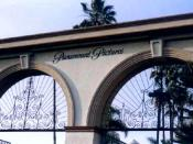 English: Gate at Paramount Pictures