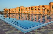 English: Swimming Pool (TTC Sunny Beach, Hurghada, Egypt) Nederlands: Zwembad (TTC Sunny Beach, Hurghada, Egypte) Français : Piscine (TTC Sunny Beach, Hurghada, Égypte)