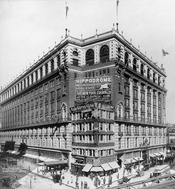 English: Macy's Bldg. & Herald Square, New York City, 1907.