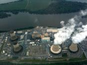English: Photo of Three Mile Island nuclear power plant taken on June 6, 2010.