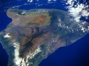 English: Satellite picture of the island of Hawai'i Español: Foto satelital de la isla de Hawaii Français : Vue satellite de l'île Hawai'i avec le Mauna Loa au premier plan Italiano: Immagine presa dal satellite dell'isola di Hawaii, la maggiore delle ott