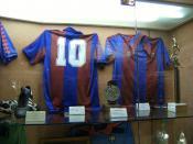 English: Shirt of Diego Armando Maradona in FC Barcelona museum Français : Maillot de Diego Armando Maradona au Musée du FC Barcelone
