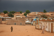 English: Bareina, a small desert village in the south of Mauritania, West Africa. A view of the sky just minutes before rain started.