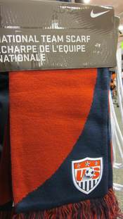 A Nike USA men's national soccer team scarf.