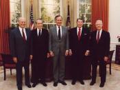 English: Presidents Gerald Ford, Richard Nixon, George Herbert Walker Bush, Ronald Reagan and Jimmy Carter at the dedication of the Reagan Presidential Library (Left to right). Français : De gauche à droite, les présidents américains Gerald Ford, Richard