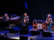English: Phish on December 30, 2009 at the American Airlines Arena in Miami Florida. Left to right: Page McConnell, Trey Anastasio and Mike Gordon. Photo by Dan Shinneman